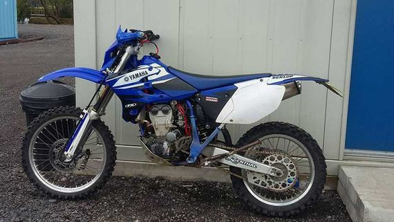 blue motorcorss bike